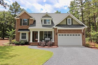Southern Pines Single Family Home For Sale: 3 Scots Glen Drive