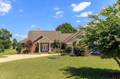 Southern Pines Single Family Home For Sale: 99 Paddock Lane