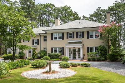 Southern Pines Single Family Home For Sale: 1495 W Connecticut Avenue