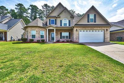 Fayetteville Single Family Home For Sale: 921 Cedar Glen Drive