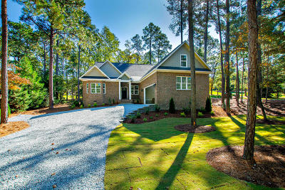 Southern Pines Single Family Home For Sale: 10 McNish Road