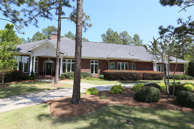 Southern Pines Single Family Home For Sale: 11 Birkdale Drive