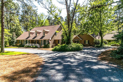 Moore County Single Family Home Active/Contingent: 15 Bel Air Drive
