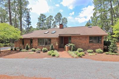 Foxfire NC Single Family Home Active/Contingent: $225,000