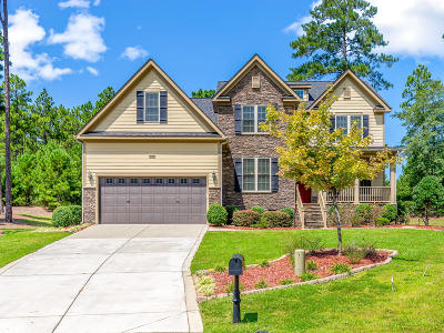 Southern Pines Single Family Home For Sale: 165 Hadley Court