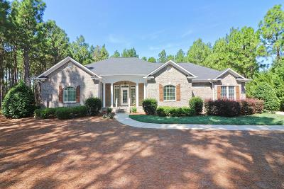 Foxfire NC Single Family Home For Sale: $300,000