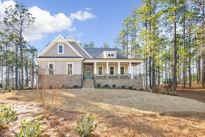 Southern Pines Single Family Home For Sale: 140 Kings Ridge