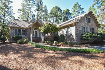 Moore County Single Family Home Active/Contingent: 69 Glasgow Drive