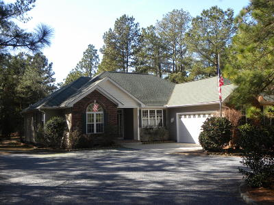 Seven Lakes, West End Single Family Home For Sale: 535 Longleaf Drive