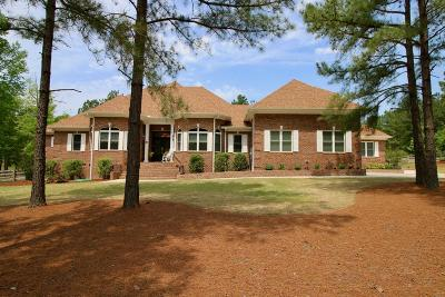 Moore County Single Family Home For Sale: 705 Broken Ridge Trail