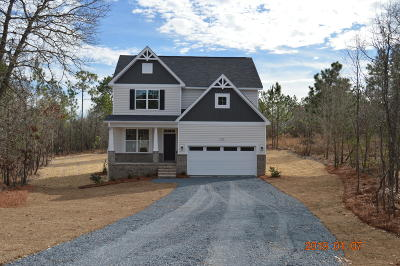 Moore County Single Family Home Active/Contingent: 153 Honeywood Court