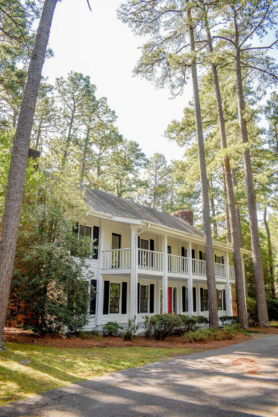 Southern Pines Single Family Home Active/Contingent: 155 N Valley Road