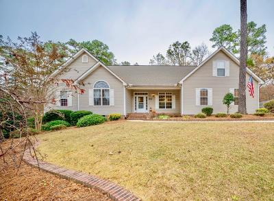 Southern Pines Single Family Home Active/Contingent: 255 W Hedgelawn Way