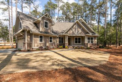 Moore County Single Family Home For Sale: 18 Ashkirk Drive