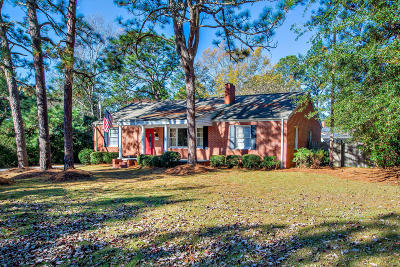 Southern Pines Single Family Home Active/Contingent: 710 N Bennett Street