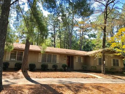 Southern Pines Single Family Home For Sale: 1221 N Fort Bragg Road