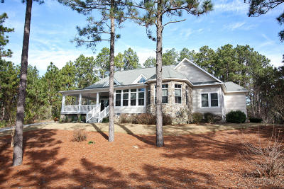 Moore County Single Family Home Active/Contingent: 124 Lawrence Overlook
