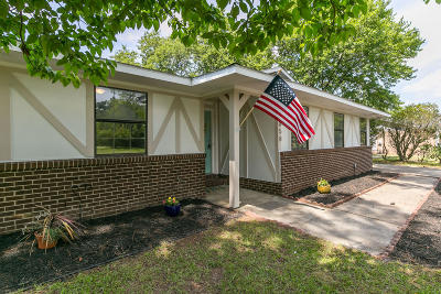 Fayetteville Single Family Home For Sale: 6858 Beaverstone Road
