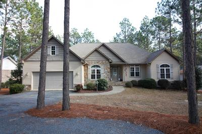 Seven Lakes, West End Single Family Home Active/Contingent: 245 Longleaf Drive