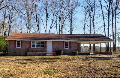 Moore County Single Family Home Active/Contingent: 6643 Nc 705 Hwy