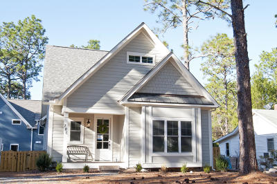 Southern Pines Single Family Home For Sale: 720 N Ashe Street