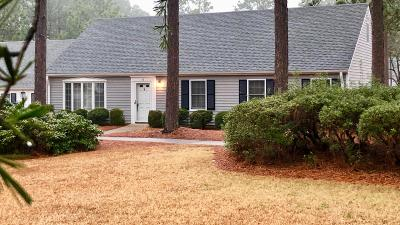 Southern Pines Condo/Townhouse Active/Contingent: 38 Village Green Circle