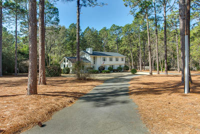 Southern Pines Single Family Home Active/Contingent: 340 Indian Trail