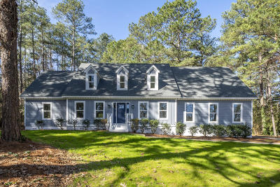 Southern Pines Single Family Home For Sale: 108 James Creek Road