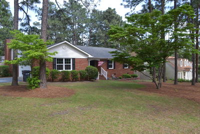 Moore County Rental For Rent: 115 E Hedgelawn Way