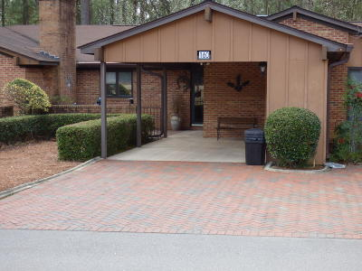 Southern Pines Condo/Townhouse For Sale: 160 Knollwood Drive