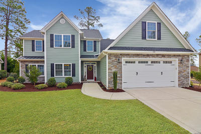 Southern Pines Single Family Home For Sale: 360 Wiregrass Lane
