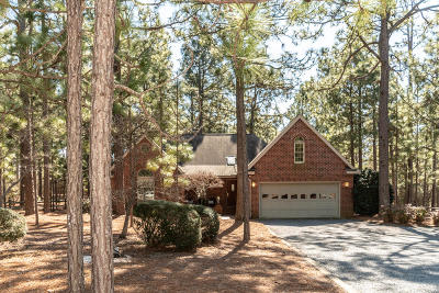 Seven Lakes, West End Single Family Home For Sale: 106 Pinecone Court