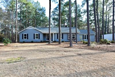Southern Pines Single Family Home For Sale: 235 Stoneyfield Drive