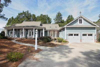 Seven Lakes, West End Single Family Home For Sale: 194 Longleaf Drive