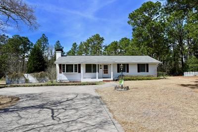 Southern Pines Single Family Home For Sale: 670 Fairway Drive