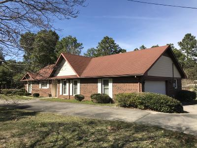 Southern Pines Single Family Home For Sale: 1305 W New Hampshire Avenue