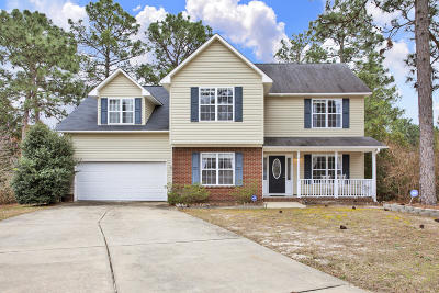Single Family Home For Sale: 2 Dunes Circle