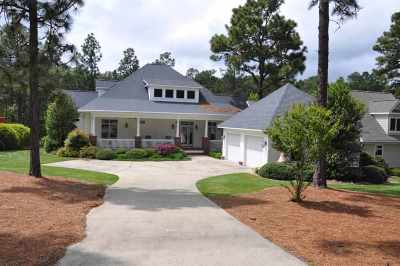 Moore County Single Family Home For Sale: 11 Granville Drive