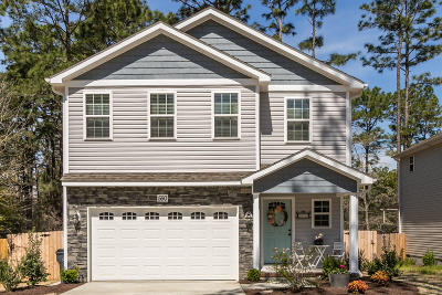 Southern Pines Single Family Home Active/Contingent: 550 N Saylor Street