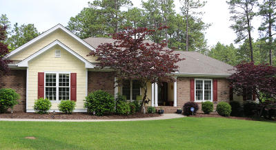Southern Pines Single Family Home For Sale: 113 Lazar Lane