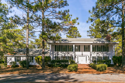 Southern Pines Single Family Home For Sale: 650 N Fort Bragg Road