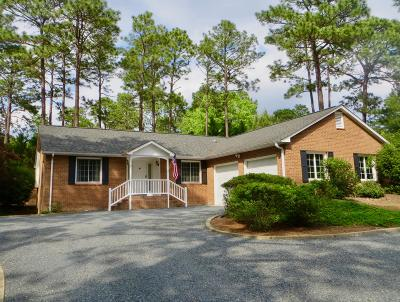 Moore County Single Family Home Active/Contingent: 9 Chestnut Court