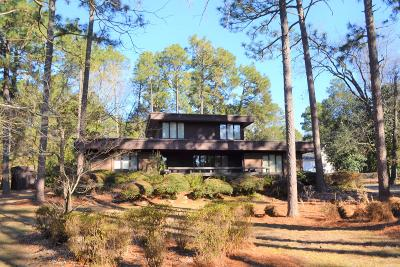 Southern Pines Single Family Home For Sale: 915 E Indiana Avenue