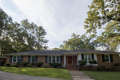Southern Pines Single Family Home Active/Contingent: 302 Tartan Trail
