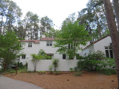 Southern Pines Single Family Home For Sale: 260 Serpentine Drive