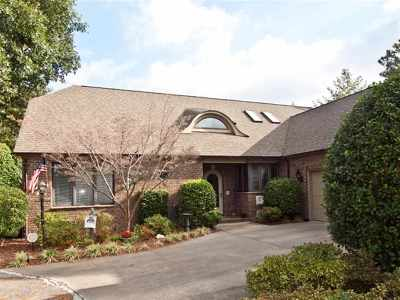 Pinehurst Condo/Townhouse Active/Contingent: 4 Castle Combe Court