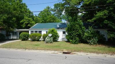 Fayetteville Single Family Home For Sale: 827 Cedar Creek Road
