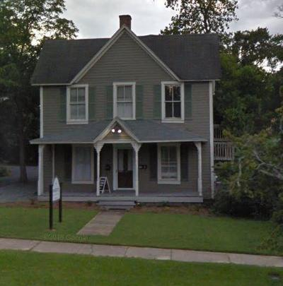 Southern Pines Rental Active/Contingent: 150 W Vermont Avenue #B