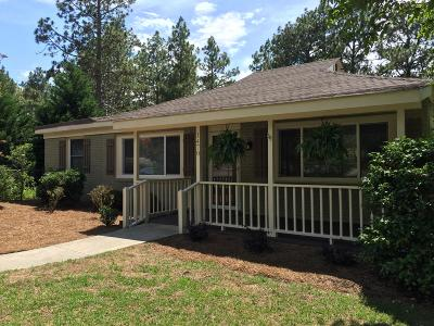 Southern Pines Single Family Home For Sale: 1470 Central Drive