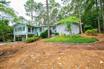 Pinehurst Single Family Home For Sale: 565 SE Lake Forest Drive